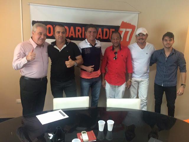 http://www.blogdofelipeandrade.com.br/2015/08/politica-borbinha-esta-no-solidariedade.html