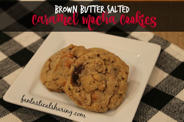 Brown Butter Salted Caramel Mocha Cookies | Brown butter, chewy caramel, creamy chocolate chunks, and a sprinkle of salt #cookies #fbcookieswap #recipe
