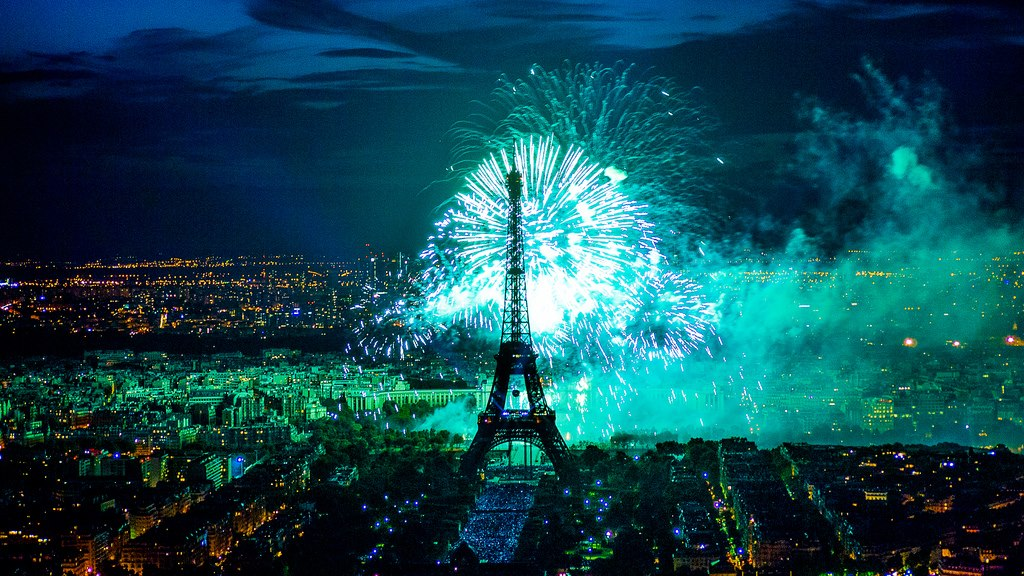 happy new year 2013 from paris bonne annee 2013 feliz ano nuevo 2013