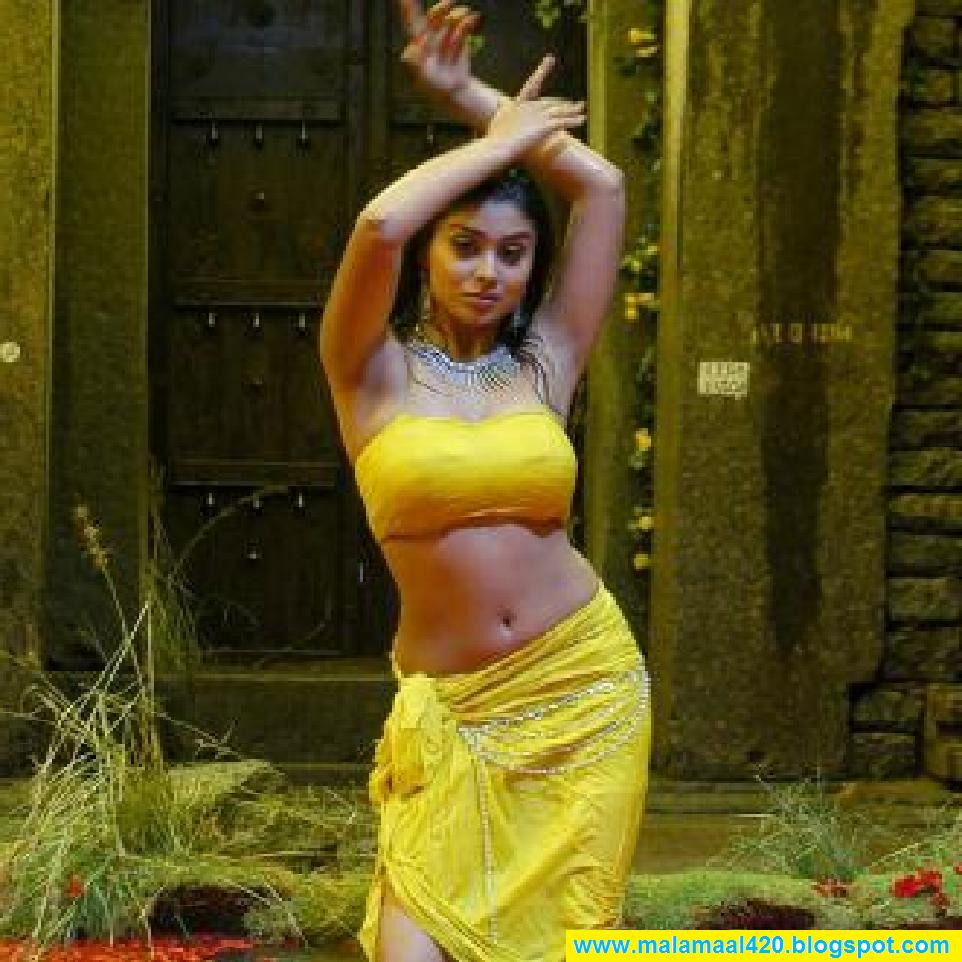 images of Ki Nasha Shriya Saran Hot Wet Pictures And Sexy Images