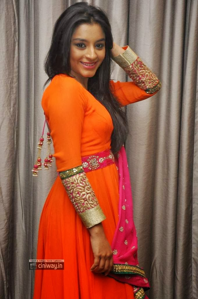 Alisha Baig Latest Stills
