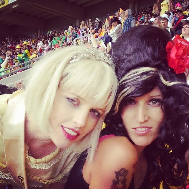 courtney love and aime winehouse cosplay