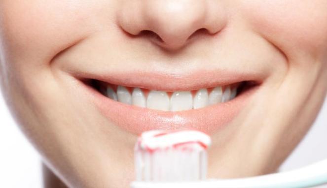 Tips Singkirkan Karang Gigi dengan Mudah