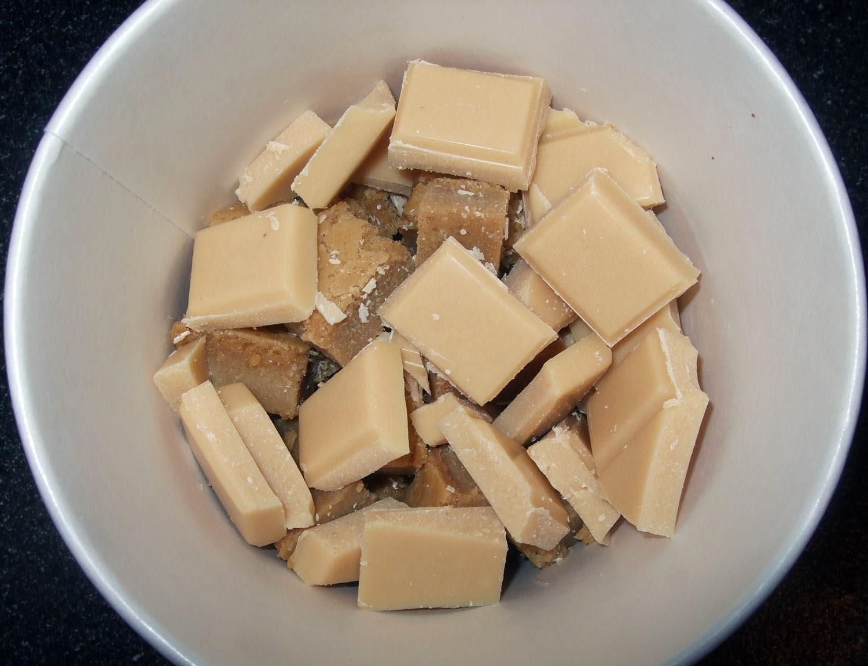 White chocolate chunks.
