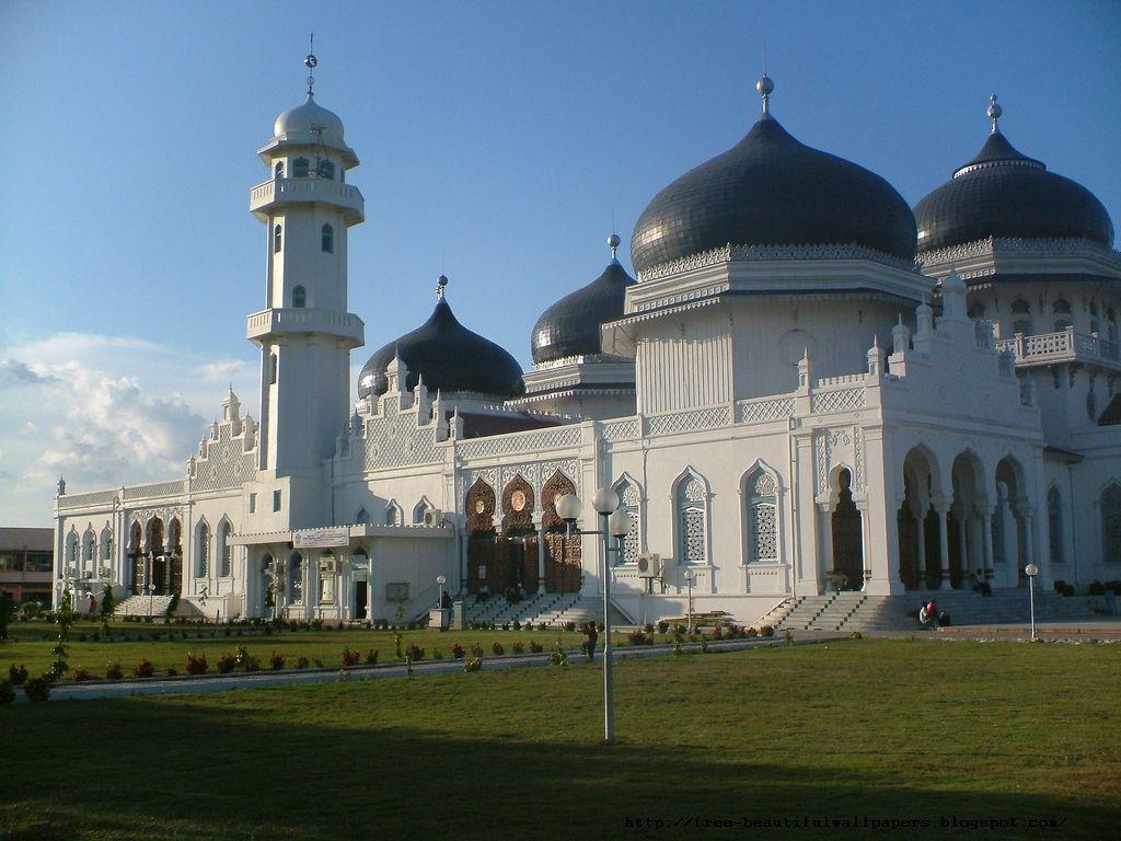 http://3.bp.blogspot.com/-_tUDgFuyleg/TlFEHM1uGAI/AAAAAAAAAaU/lZoTHJPIqpc/s1600/Banda+Aceh+Main+Mosque+in+Indonesia.jpg