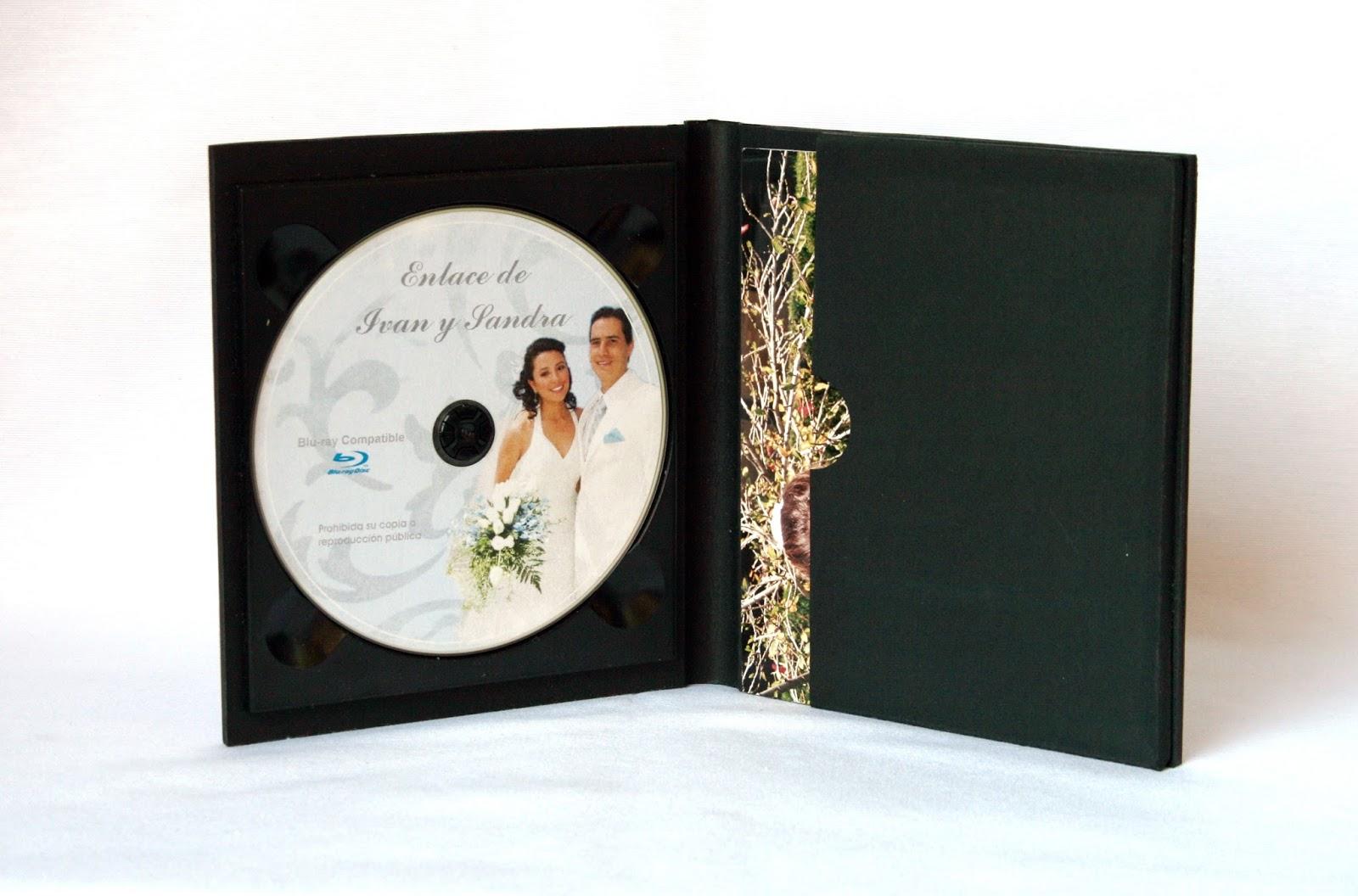 Estuche para DVD + fotos abierto