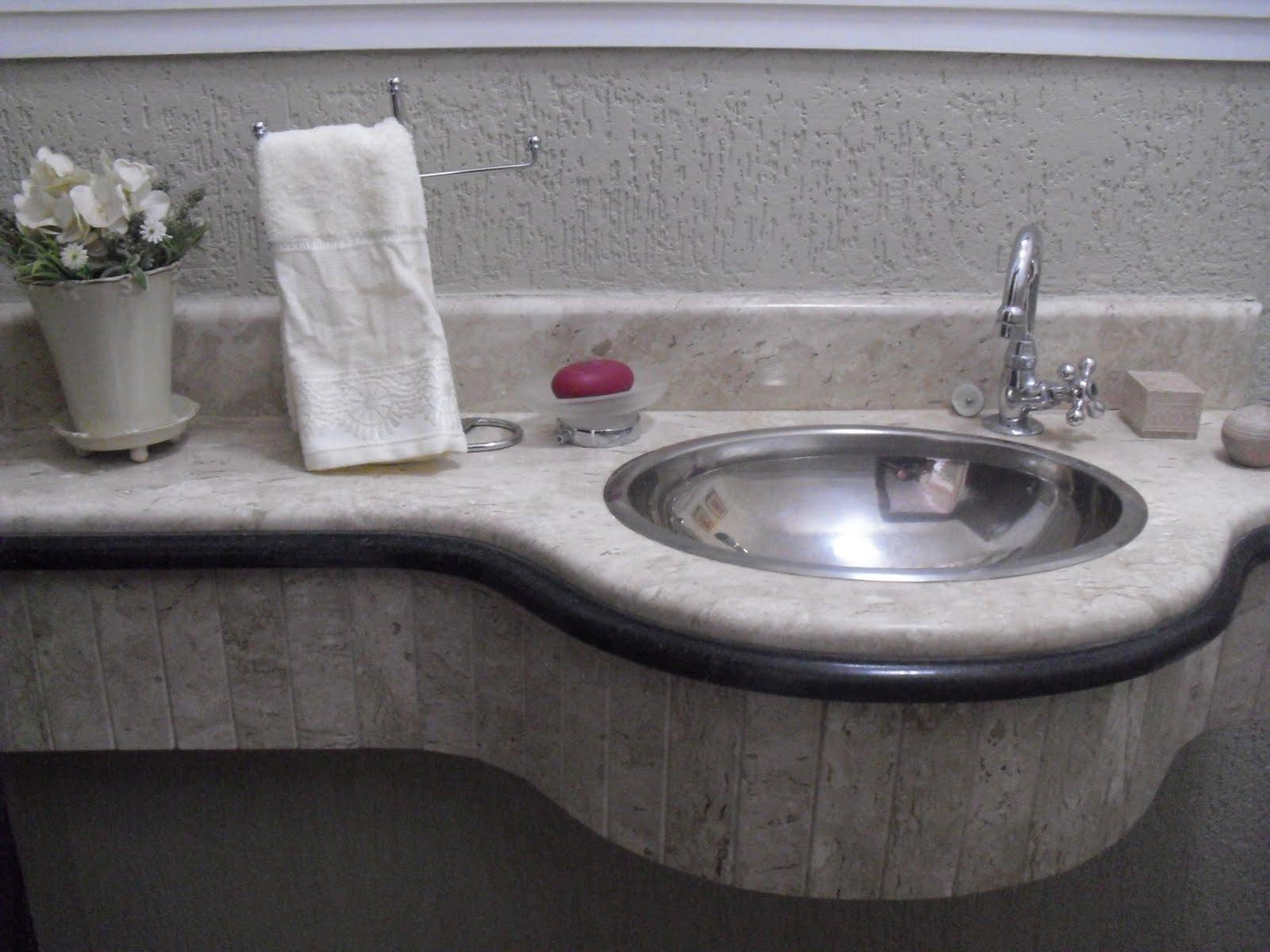 uma edificação de mais de 30 anos recebeu a adaptação do lavabo o  #535878 1600x1200