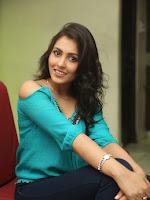 Madhu Shalini new glam pics at Spandana press meet-cover-photo