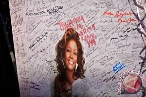 Pemakaman Whitney Houston Di Hadiri Artis Terkenal