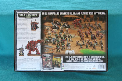 Contraportada de la caja de Warhammer 40000: Vengaza Oscura