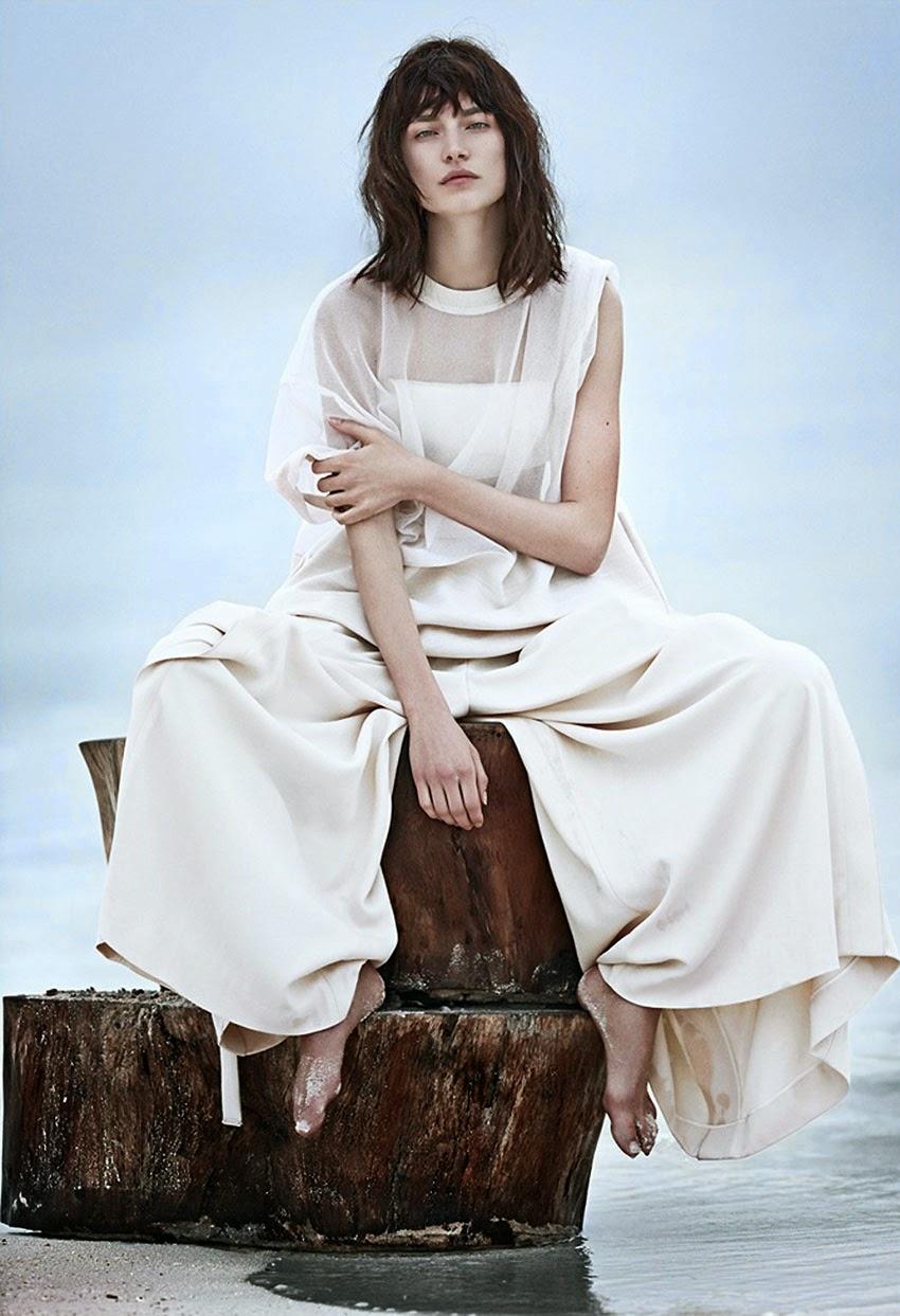 Fashion editorial - White out, Vogue Russia, June 2014, Jaquelyn Jablonski
