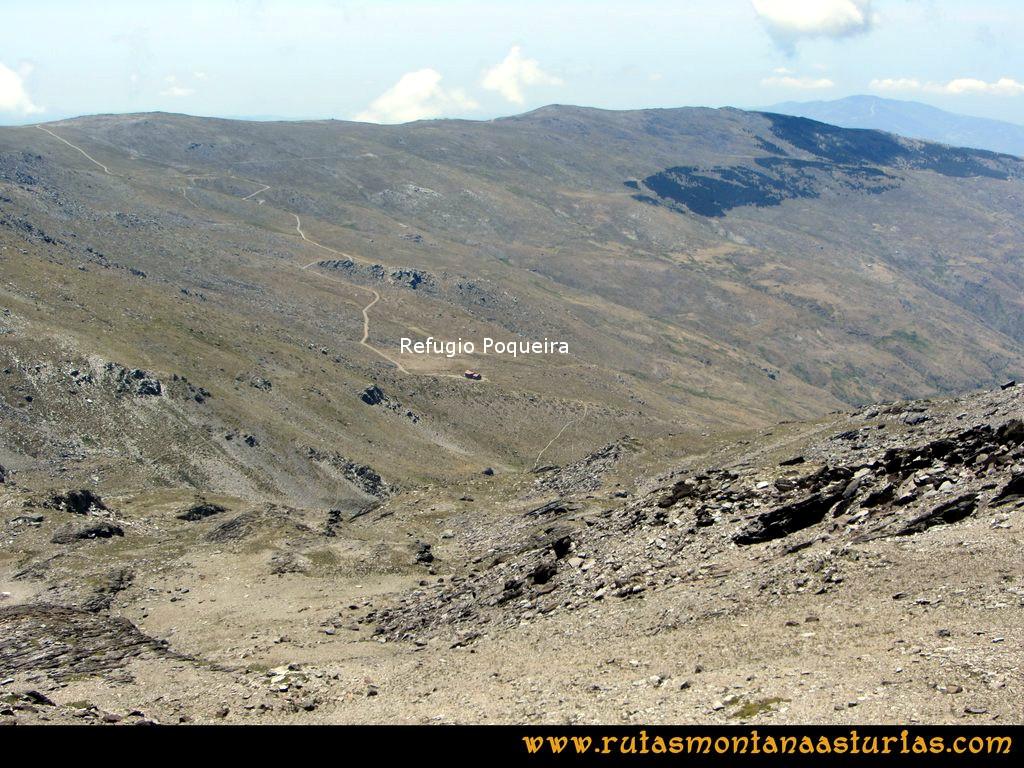 Ruta Posiciones del Veleta - Mulhacén: Vista del refugio de Poqueira