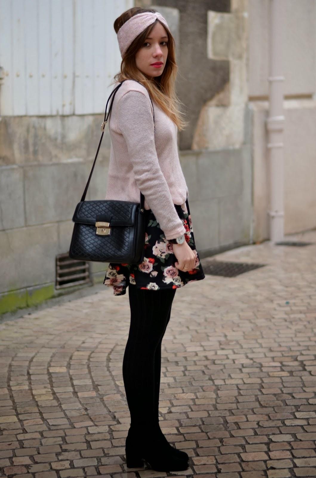 Tenue fleurs rose