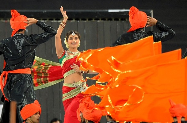 Priyanka Chopra saree pune warriors stadium inaugration - Priyanka Chopra  Performance Pics Sahara Stadium Inaugration