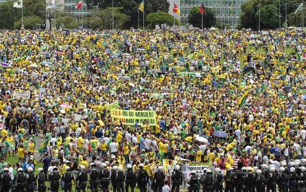 Em frente ao Congresso Nacional, Brasília