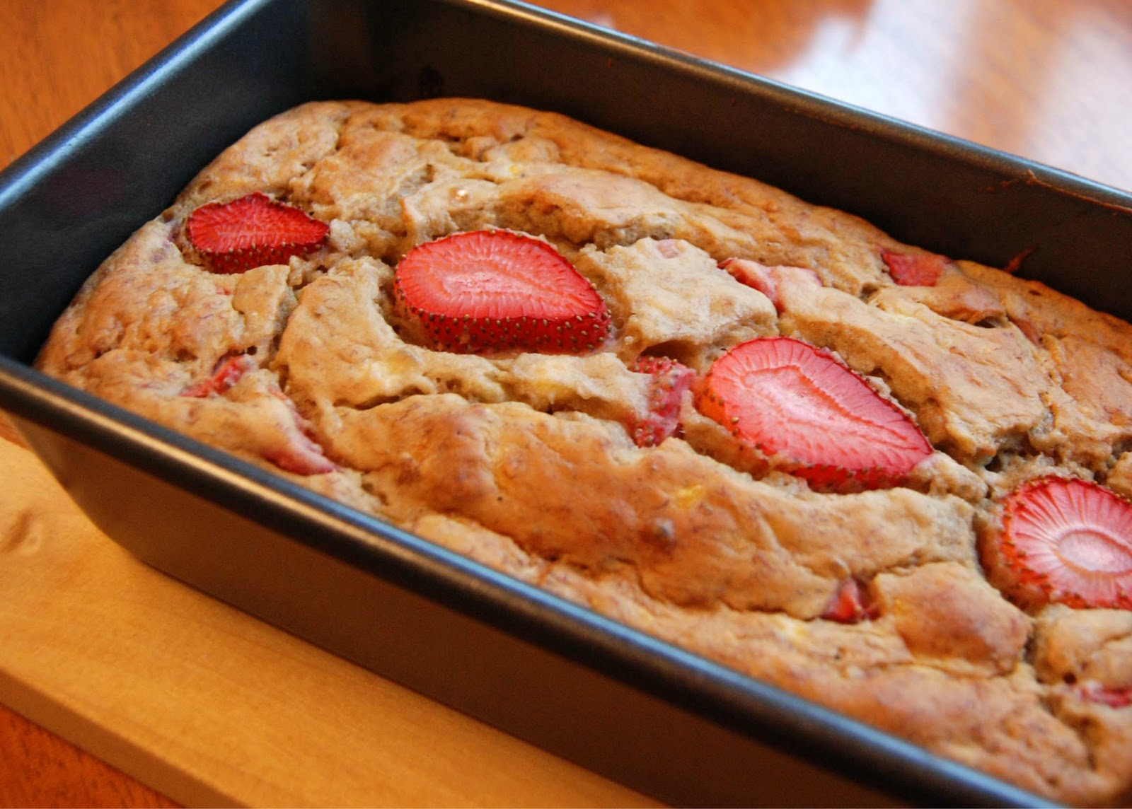 Strawberry+Banana+Bread+with+Strawberry+Greek+Yogurt+001.JPG