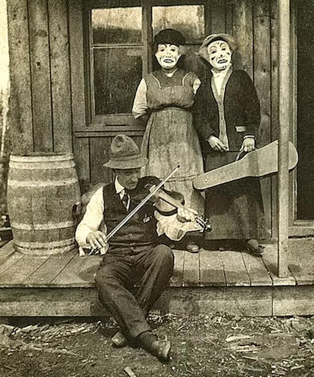 Creepy Old Vintage Photos That Cannot Be Explained