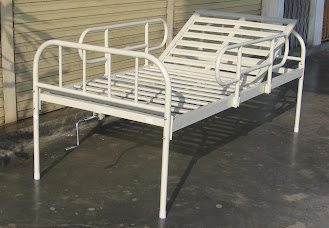 Hospital bed single fowler with side rails