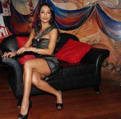 malaika arora khan legs Bollywood Actresses Oops and Panty Upskirts