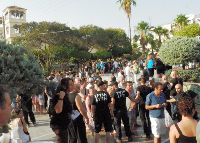 6 τόνους τρόφιμα (ψάρια, ζυμαρικά και πατάτες) μοίρασε η Χρυσή Αυγή σε χιλιάδες Έλληνες που είχαν ανάγκη στη Νίκαια!!! Δεν θα ακούσετε όμως τίποτα στα κανάλια της διαπλοκής...