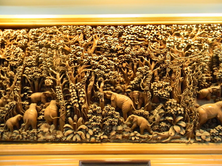 epic thai elephant wood carving