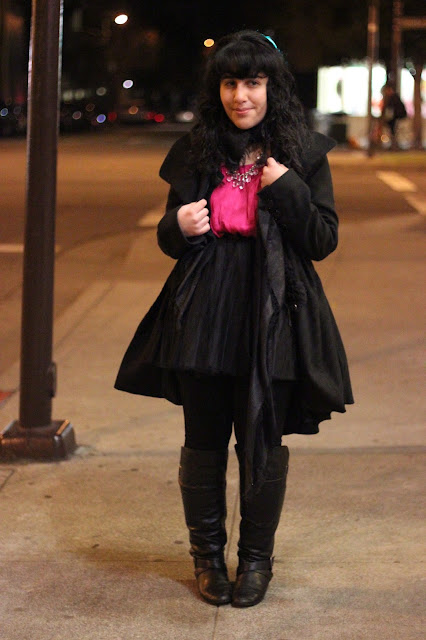 All Black with a Touch of Pink Outfit