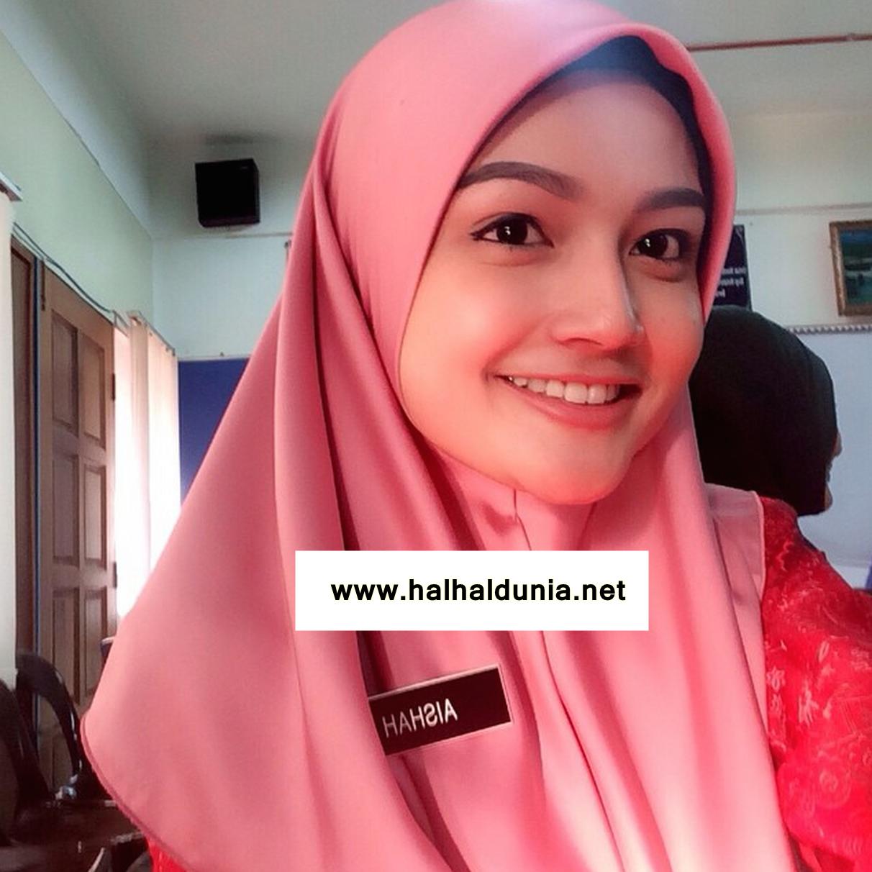 10 Gambar Selfie Cikgu Puteri Aishah Cun Giler