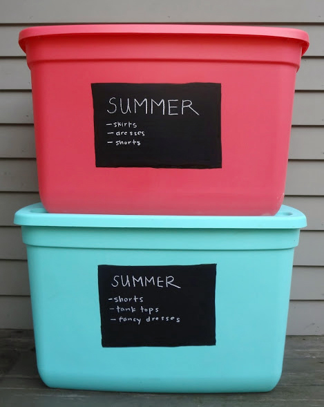 Painting plastic bins for chic storage alternatives for Painting plastic bins
