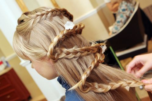 New Amazing Hairstyle for Little Girls