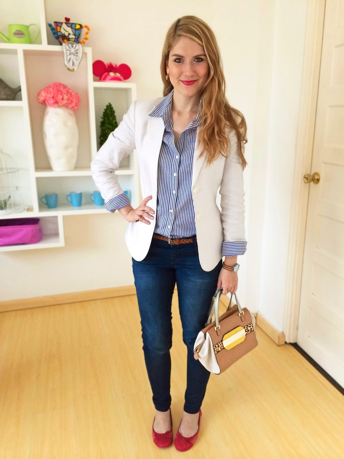 Polished outfit for Casual Friday. Click through for more ideas!