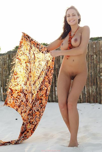 大笨蛋 - sexy gabriela - Adventures Into The Woods - ( 12 pics )