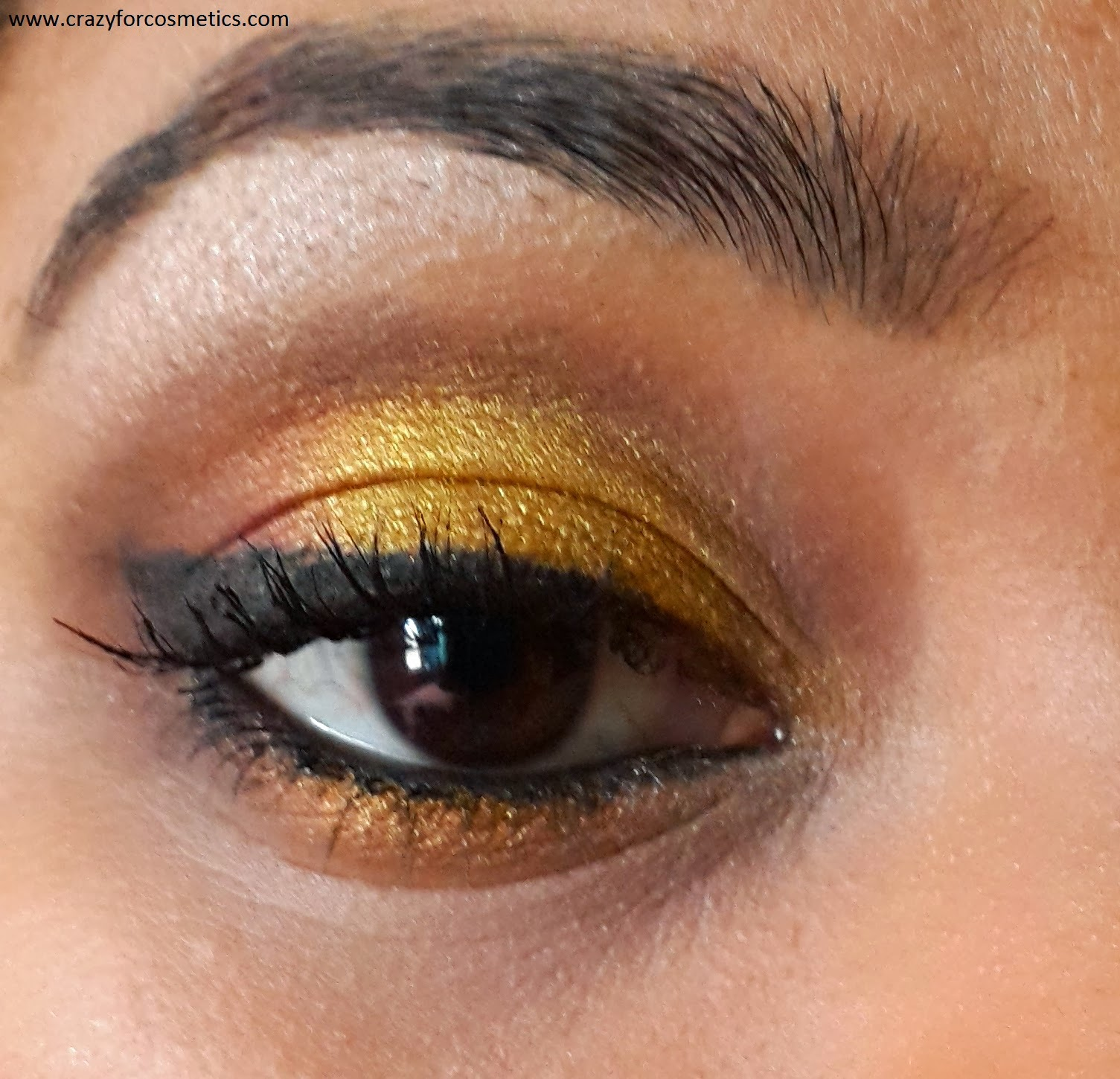 golden black eyeshadow tutorial, golden eyeshadow tutorial