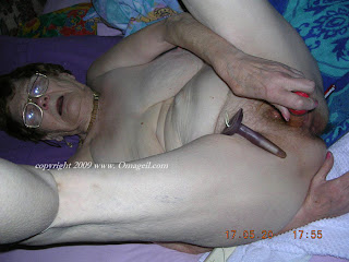 big tit granny masturbating