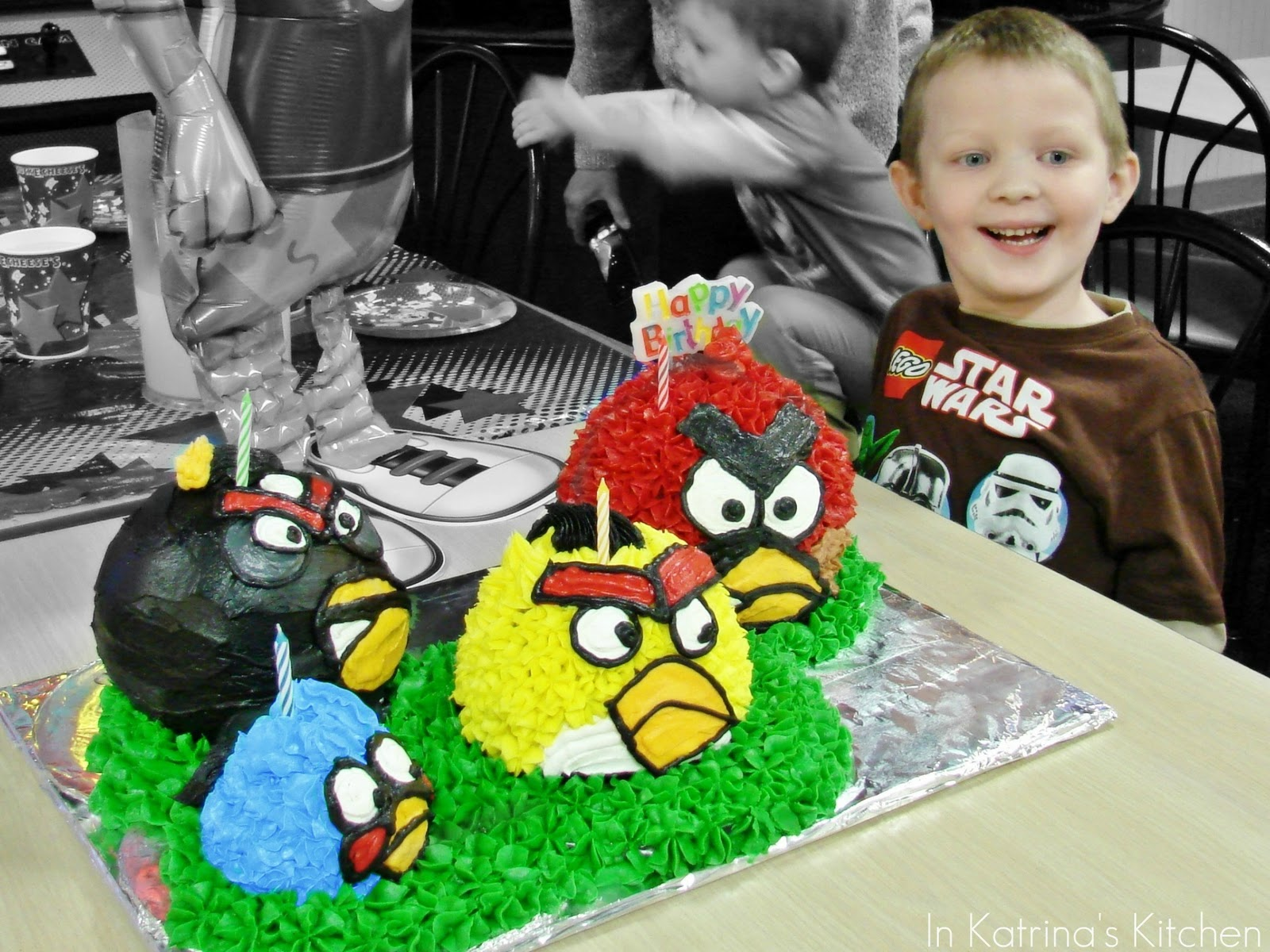 Birthday Cake For 5 Year Boy ~ Angry birds cake