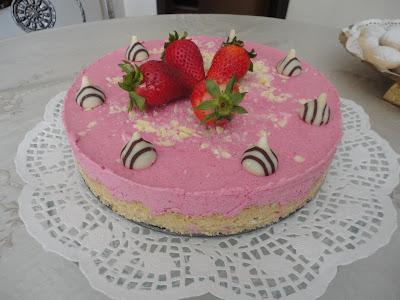 http://nurlumutfakta.blogspot.com/2012/04/cilek-muslu-pasta.html