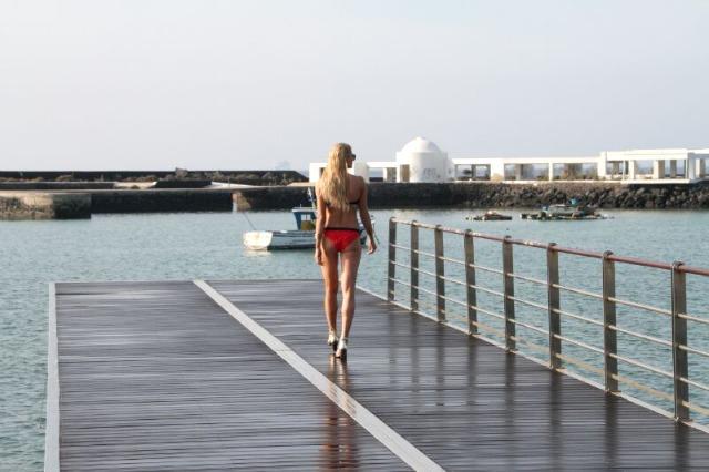 Lanzarote_en_el_catálogo_de_verano_de_El_Corte_Inglés_04