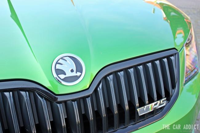 Skoda Octavia RS Logo