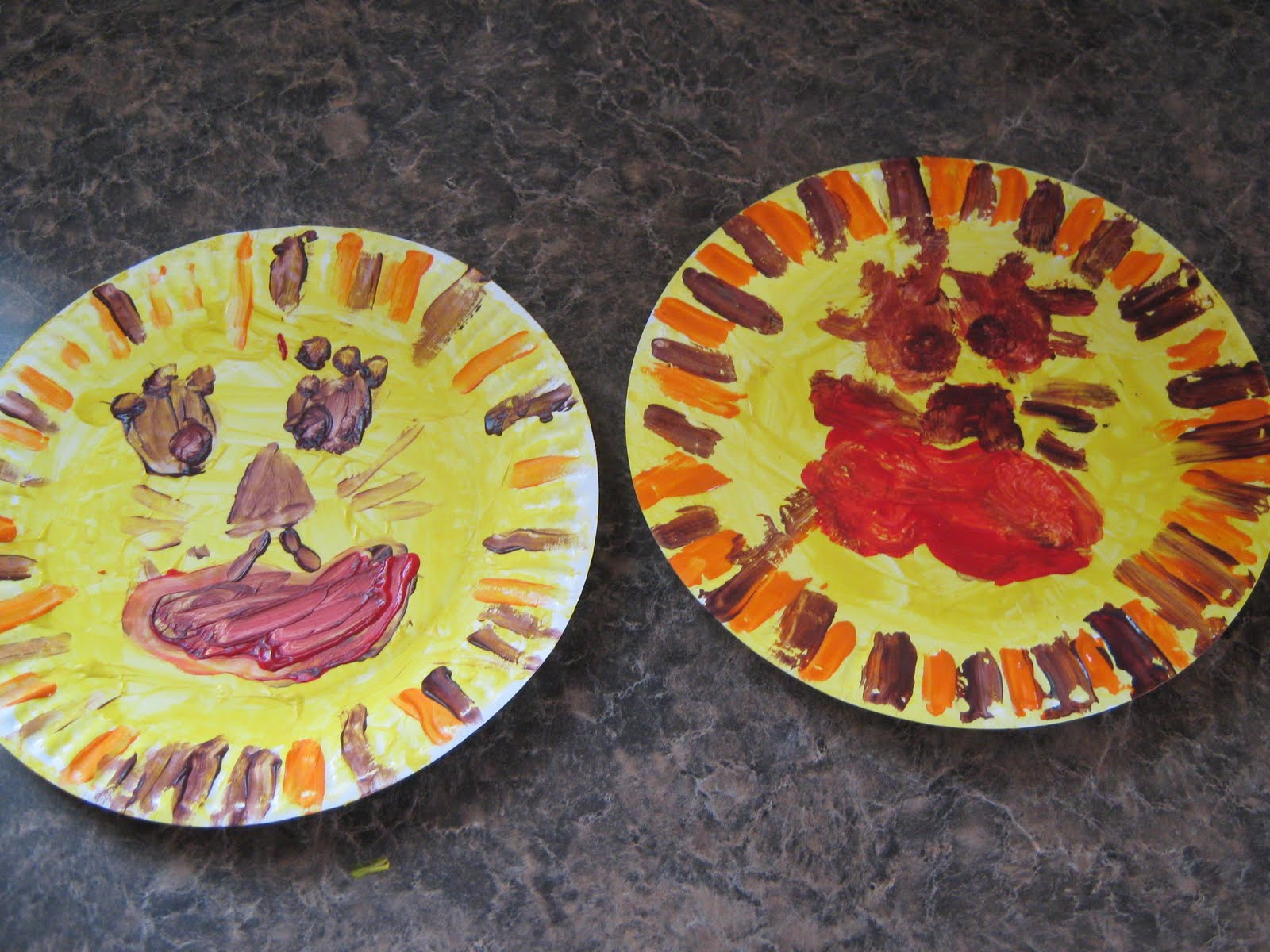 Almost unschoolers march lion and lamb reversible paper plate craft almost unschoolers jeuxipadfo Images