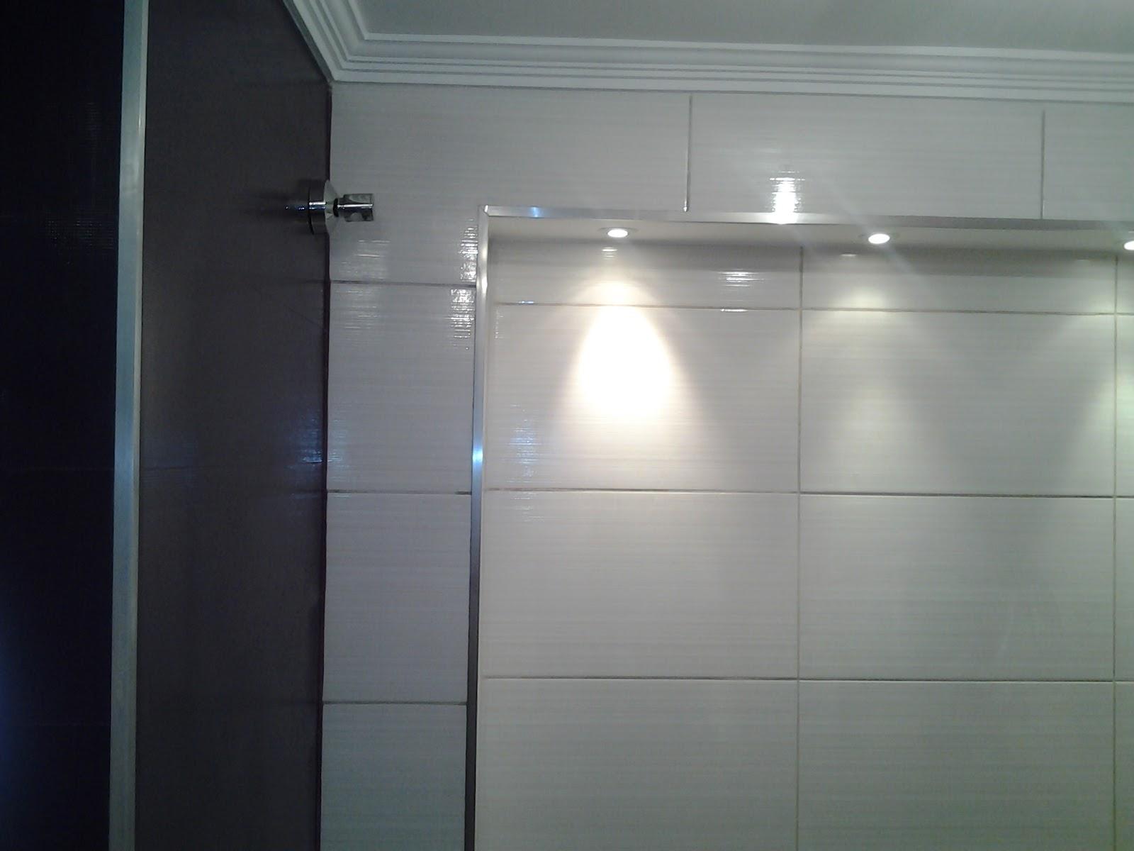 Pratonio.blogspot.com: Acabamento de Banheiro #424F59 1600x1200 Acabamento Janela Banheiro