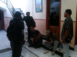 Puluhan Wartawan Duduki Polres Gresik