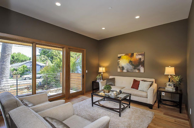 Sitting area in the Contemporary Style Home in Burlingame