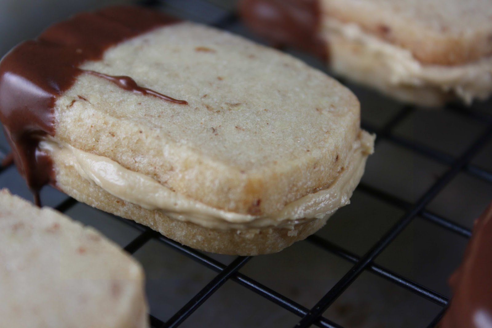 Fat and Happy Blog: Pecan Caramel Shortbread Cookies