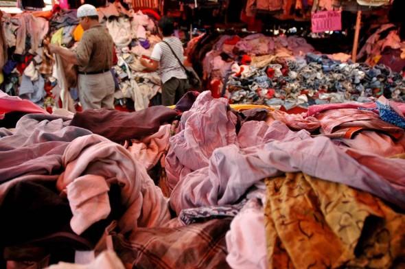Tempat Jual Beli Baju Second Di Jakarta