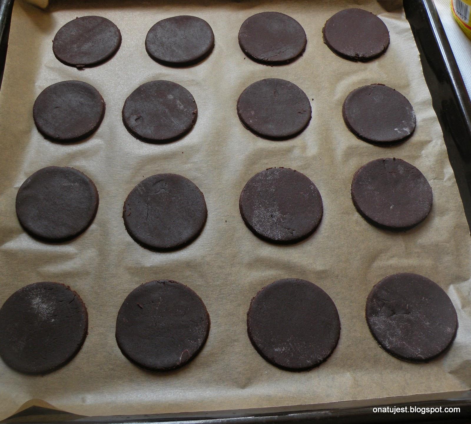 kruche ciastka czekoladowe