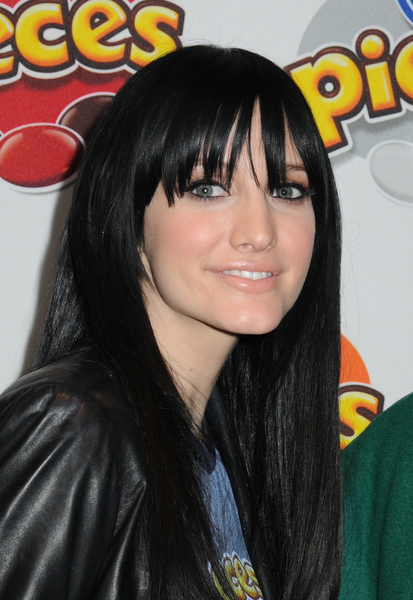 extream fashion ashlee simpson black hair