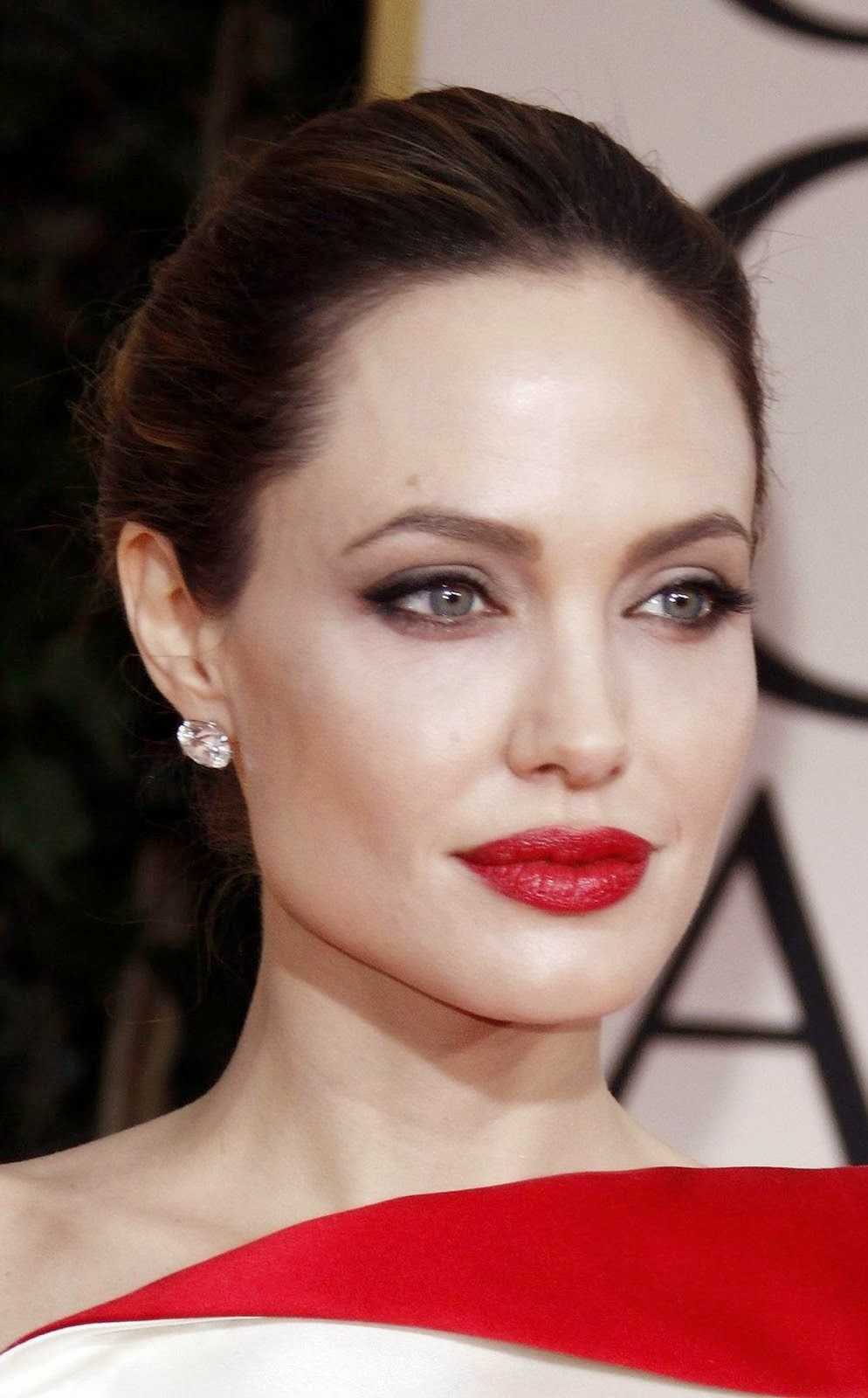 ANGELINA JOLIE RED LIPS