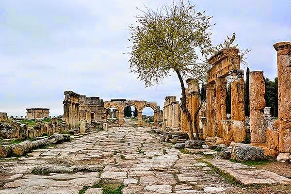 Hierapolis Plateia