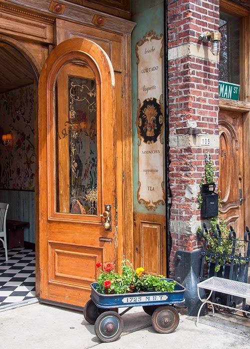 Bakeri Cafe in New York ist Inspirationsquelle für die eigene Küche zu Hause - Treffpunkt zum Wohnen statt chemisches Labor Design