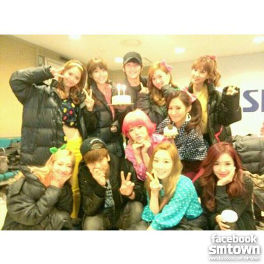 SHINee Dukung SNSD Di Inkigayo