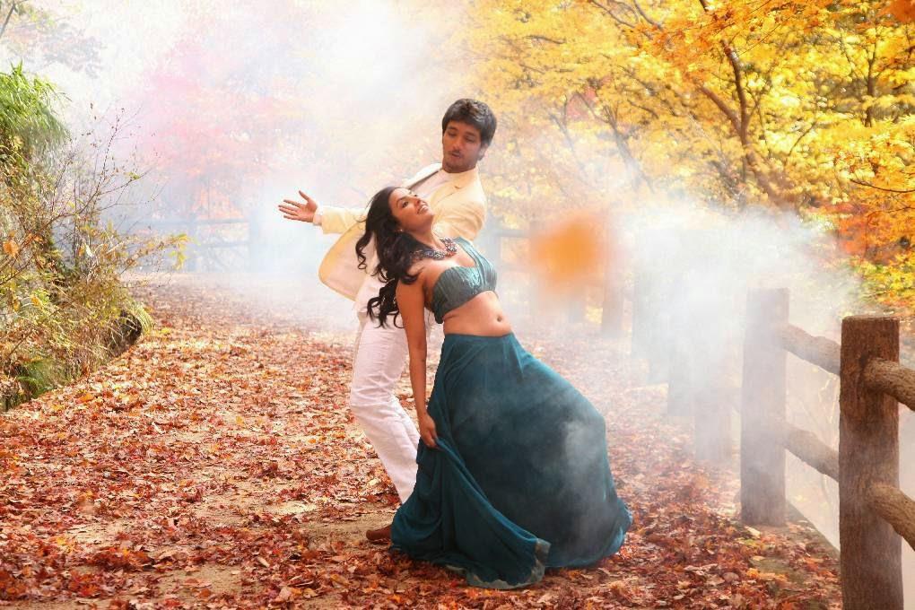 [Image: Priya-Anand-Navel-Show-in-Vai-Raja-Vai-M...ills-4.jpg]